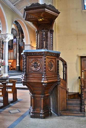 Carmelite church pulpit 1 - Copy
